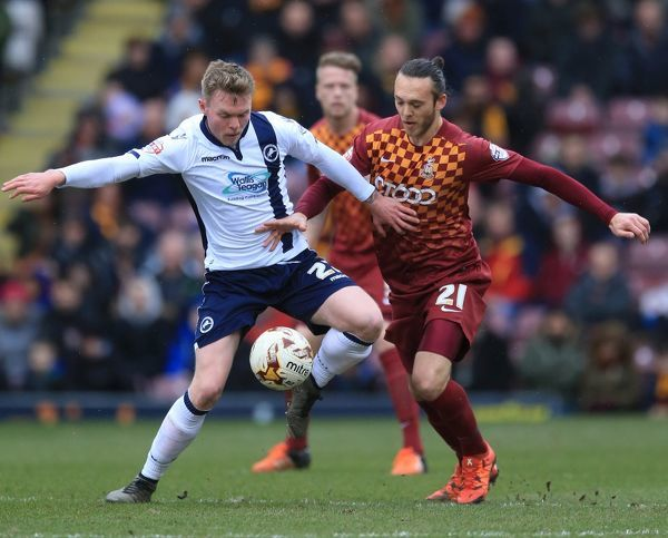 Bradford City's Tom Thorpe (right) and Millwall's Aiden O'Brien battle for the ball