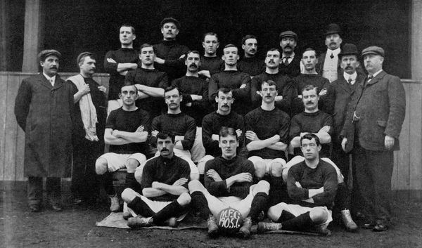 Millwall squad 1905-06: (back row, l-r) Jackie Kifford, John 'Tiny' Joyce, Bob Campbell, General Stevenson, groundsman Elijah Moor, director PG Weedon; (second row, l-r) director T Thorne, trainer R Hunter, George Comrie, John McLean